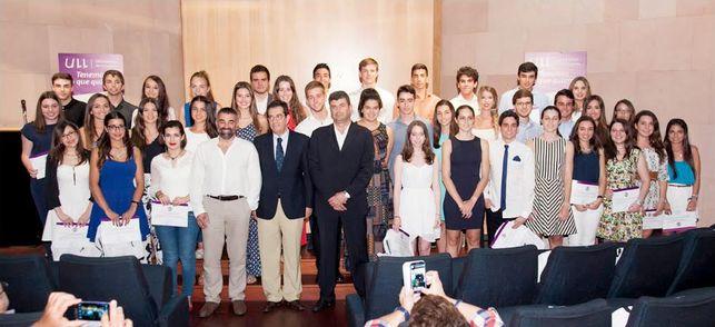 4 alumnos IES Luis Cobiella mejor expediente universidad 2015