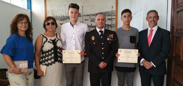 Policia_Nacional-distincion-estudiantes_EDIIMA20151002_0895_19